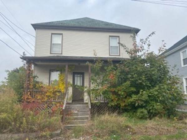 303 Brook St, New Bedford, MA 02745 (MLS #72760532) :: Westcott Properties
