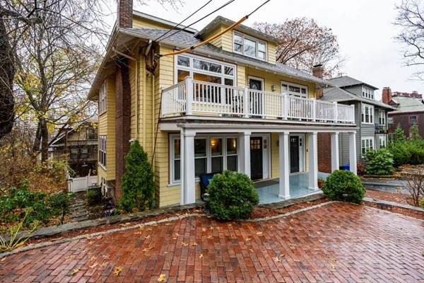 41 Winthrop Rd #41, Brookline, MA 02445 (MLS #72761296) :: Alex Parmenidez Group