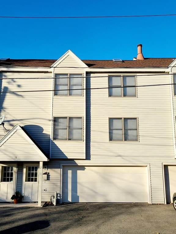18 Pine Hill St #2, Lowell, MA 01852 (MLS #72761793) :: The Seyboth Team