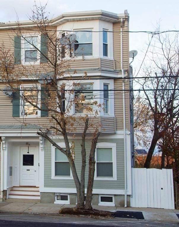 444 Sumner Street, Boston, MA 02128 (MLS #72762077) :: Alex Parmenidez Group