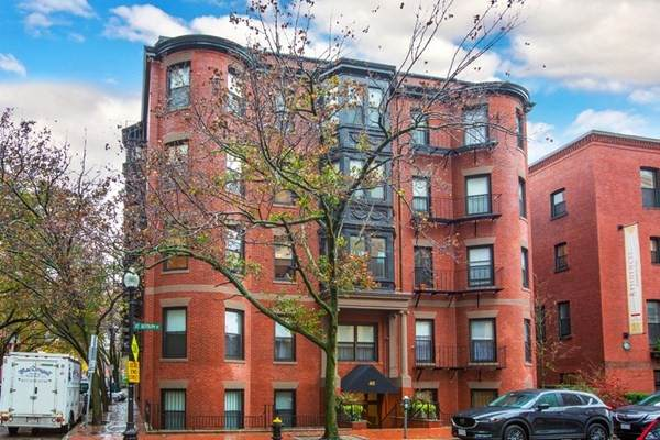 38-40 Saint Botolph #37, Boston, MA 02116 (MLS #72762900) :: The Gillach Group