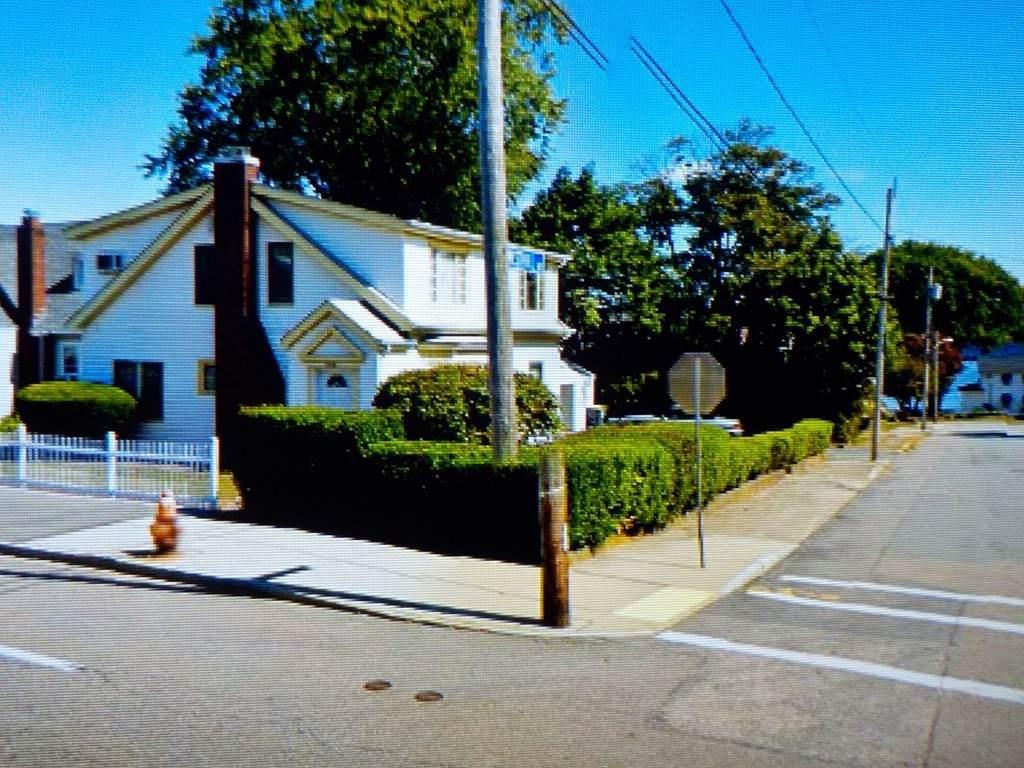 1046 Riverside Ave - Photo 1