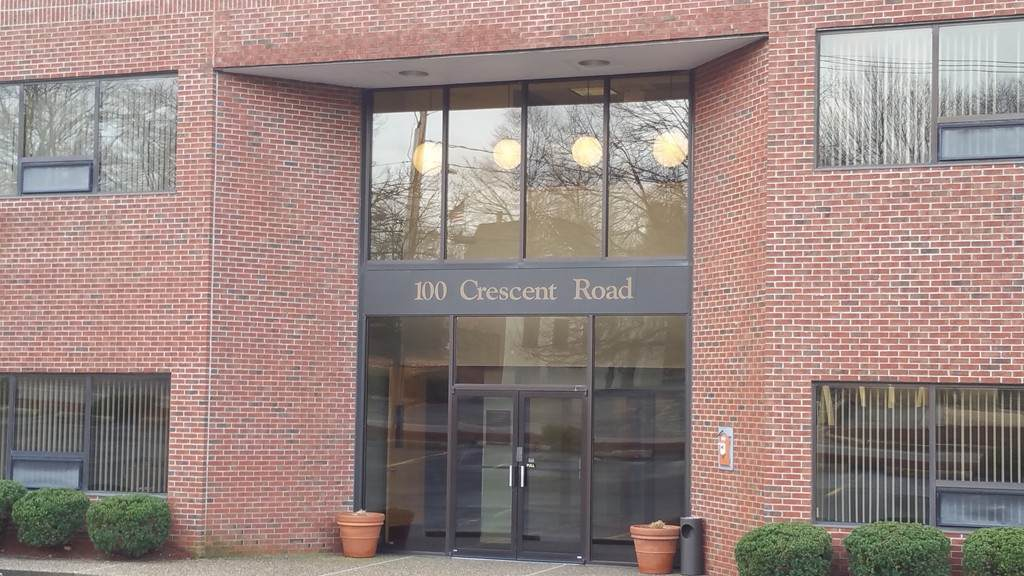 100 Crescent Rd - Photo 1