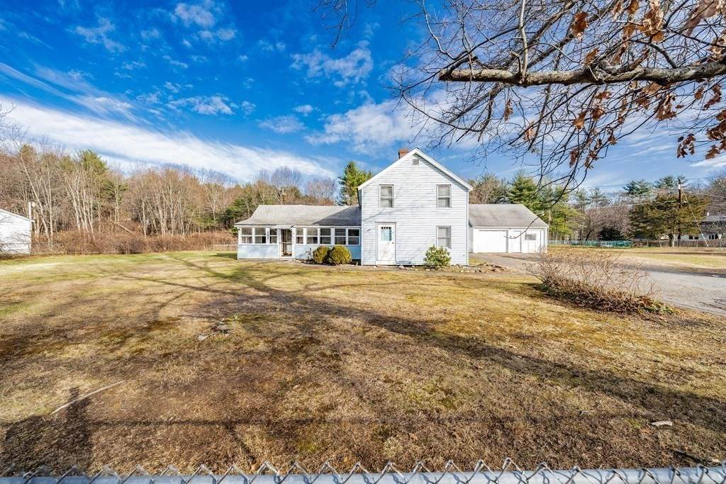 157 Middle Rd - Photo 1