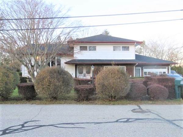 51 Maplecrest Drive, Dartmouth, MA 02747 (MLS #72769260) :: Welchman Real Estate Group