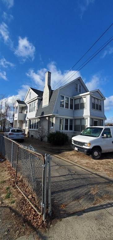 1206-1208 Saint James Avenue, Springfield, MA 01104 (MLS #72770044) :: NRG Real Estate Services, Inc.