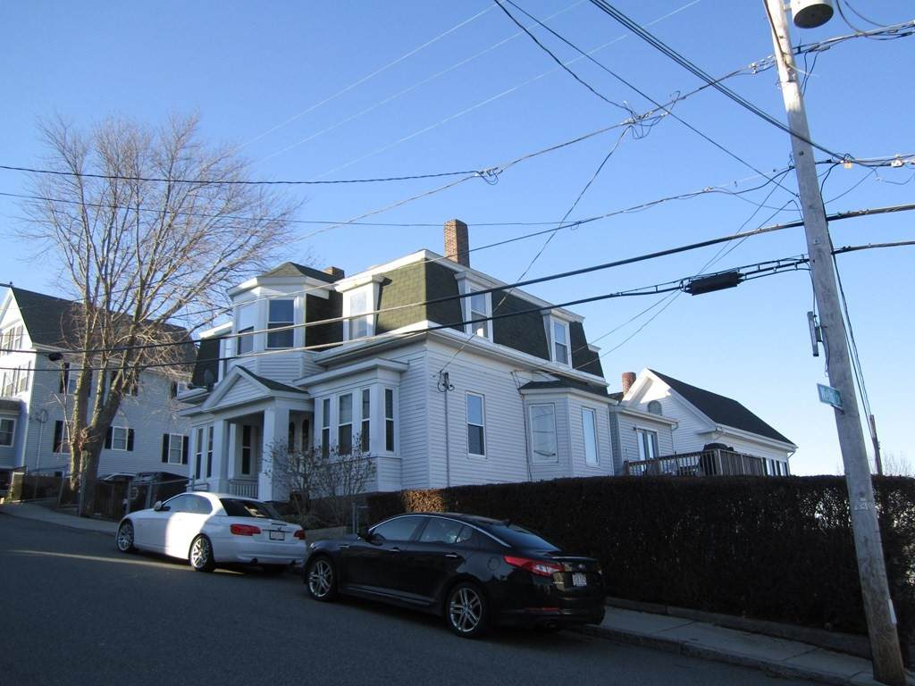 7 Commonwealth Ave. - Photo 1