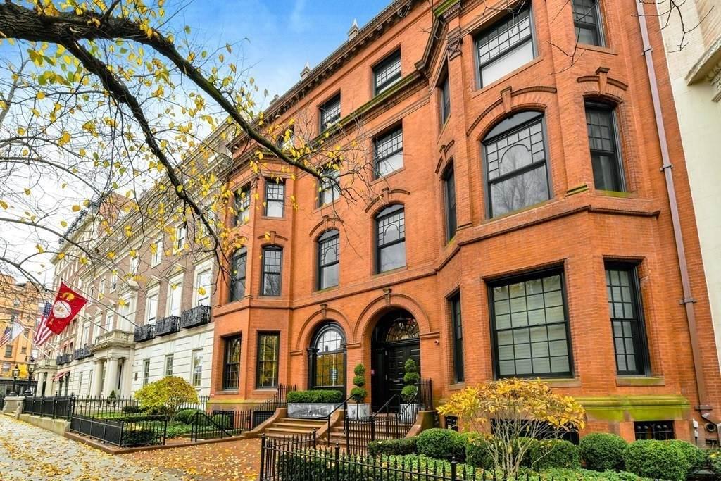380 Commonwealth Avenue - Photo 1