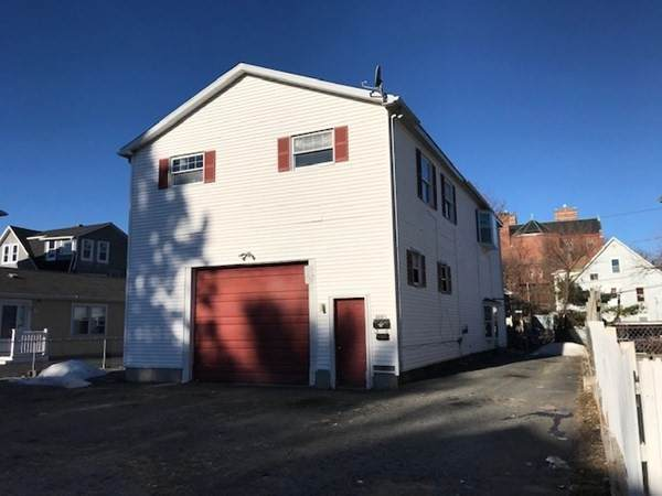 114 - 1/2 Southgate St, Worcester, MA 01603 (MLS #72772893) :: The Gillach Group