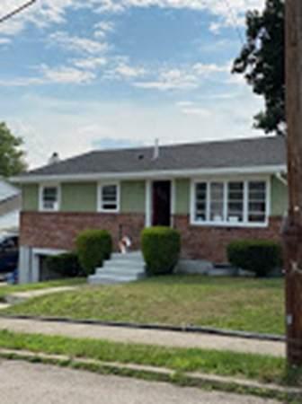18 Pine, Watertown, MA 02472 (MLS #72773418) :: Conway Cityside