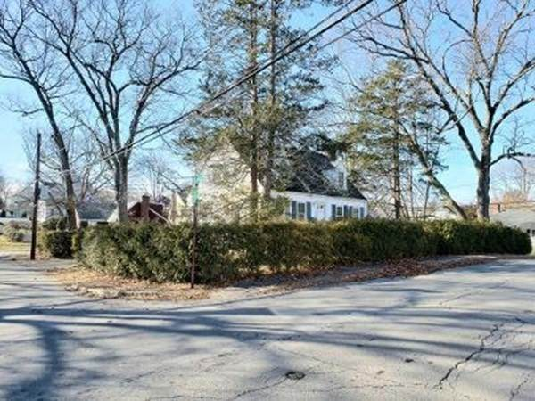 26 Pinehurst Avenue, Natick, MA 01760 (MLS #72774583) :: Cosmopolitan Real Estate Inc.
