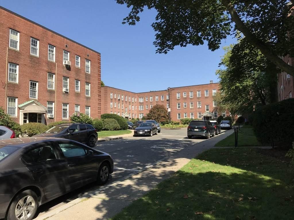 21 Englewood Ave - Photo 1