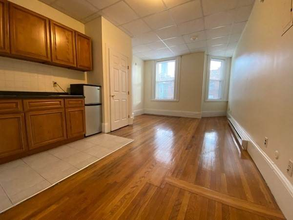 506 Beacon Street - Photo 1