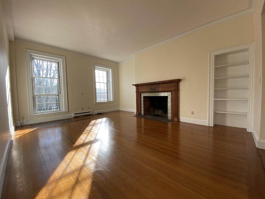 71 Beacon Street - Photo 1