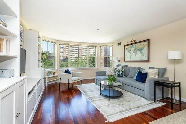 150 Staniford Street - Photo 1
