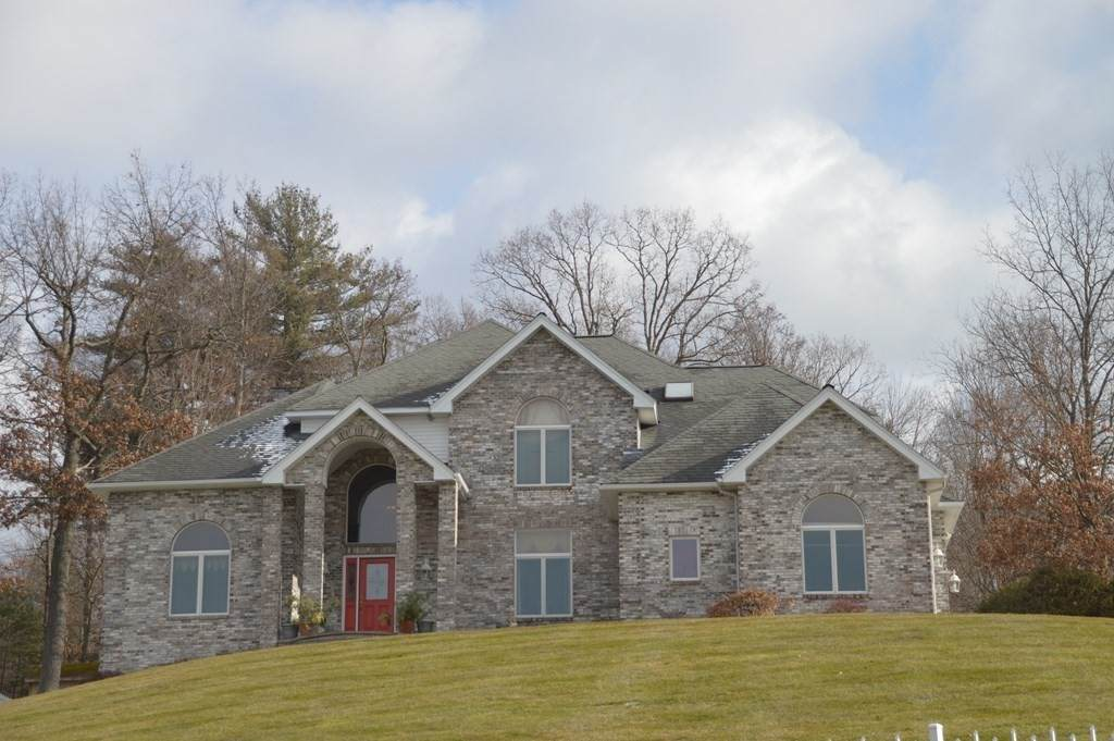 32 Spring Meadow Drive - Photo 1