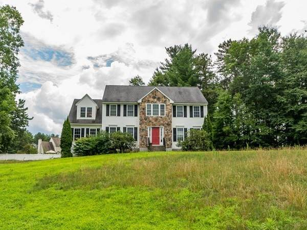 4 Charles Pl, Pepperell, MA 01463 (MLS #72777407) :: Alex Parmenidez Group