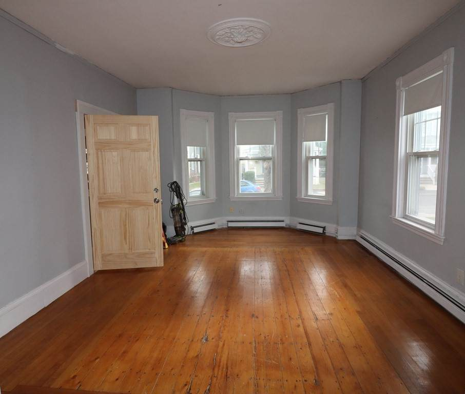 89 Somerset Ave. - Photo 1