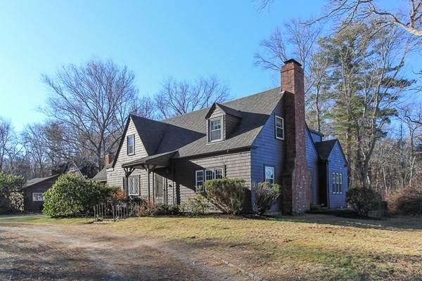 145 Salem Road, Topsfield, MA 01983 (MLS #72778243) :: Kinlin Grover Real Estate