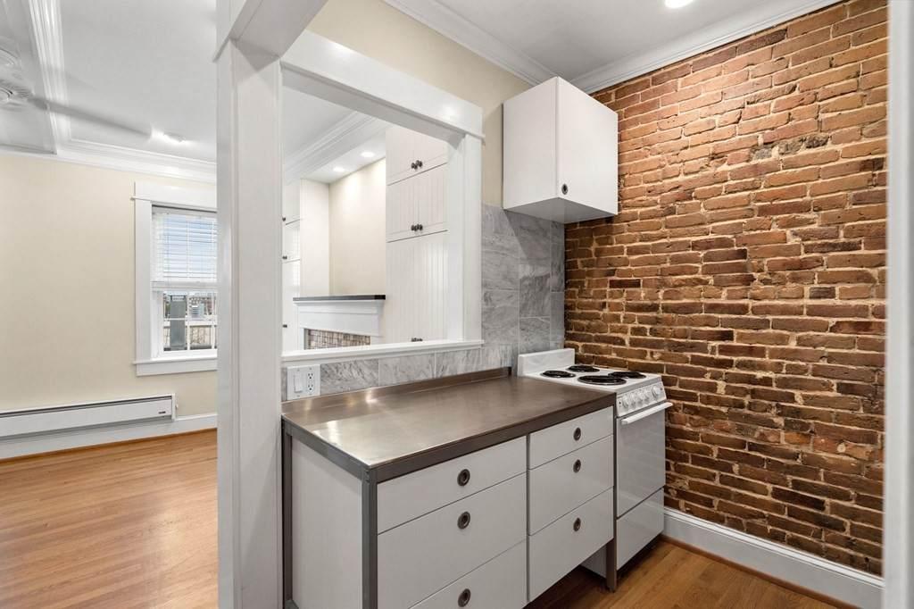 6 North Hudson Street - Photo 1