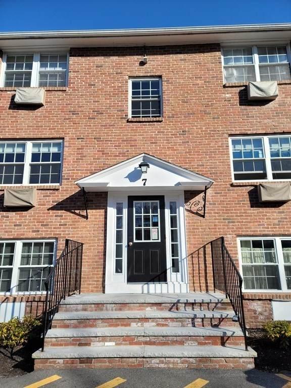 7 Colonial Village Dr #6, Arlington, MA 02474 (MLS #72779236) :: Cosmopolitan Real Estate Inc.