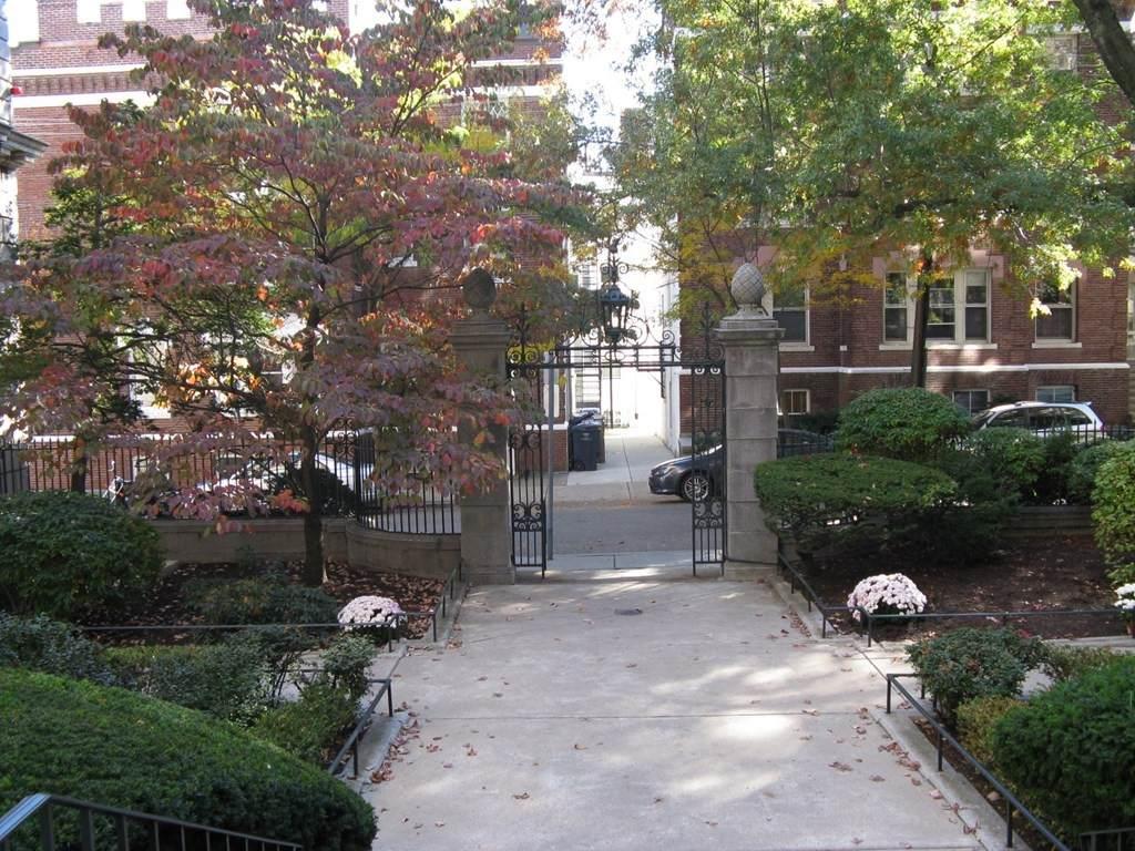 3 Arlington Street - Photo 1