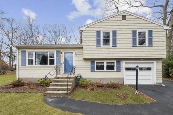 371 Pond St, Franklin, MA 02038 (MLS #72779588) :: DNA Realty Group