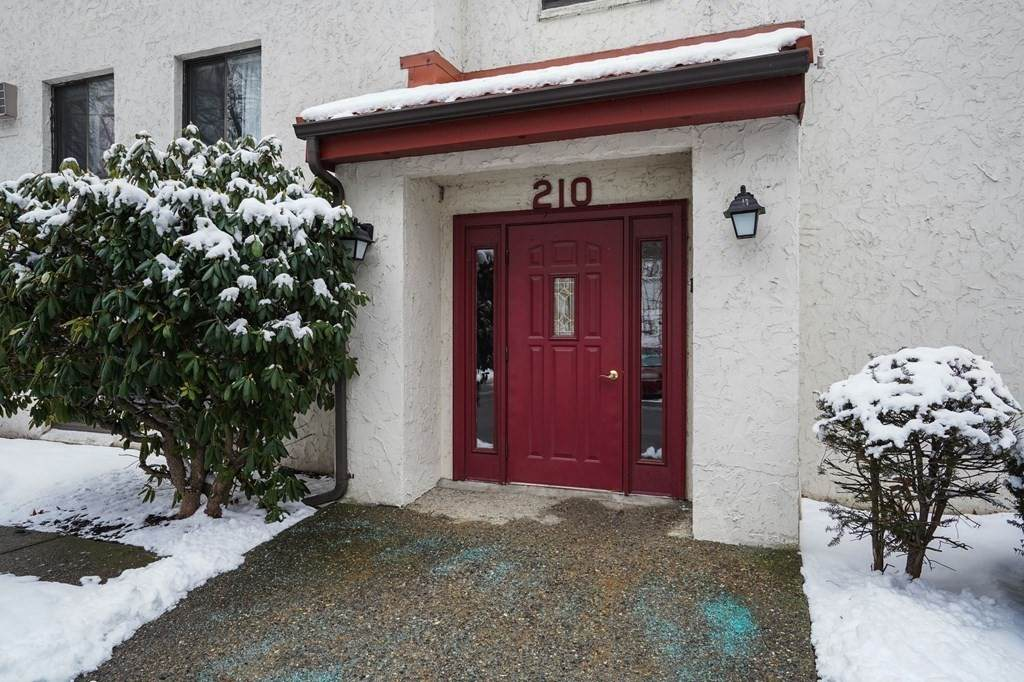 210 Fellsview Ter - Photo 1