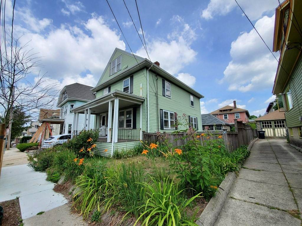 35 Curtis Ave - Photo 1
