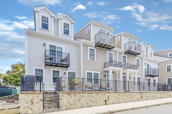 27 Howland St #4, Plymouth, MA 02360 (MLS #72784264) :: The Gillach Group
