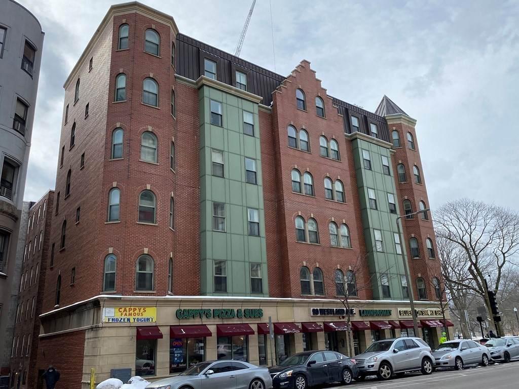 82-90 Westland Avenue - Photo 1