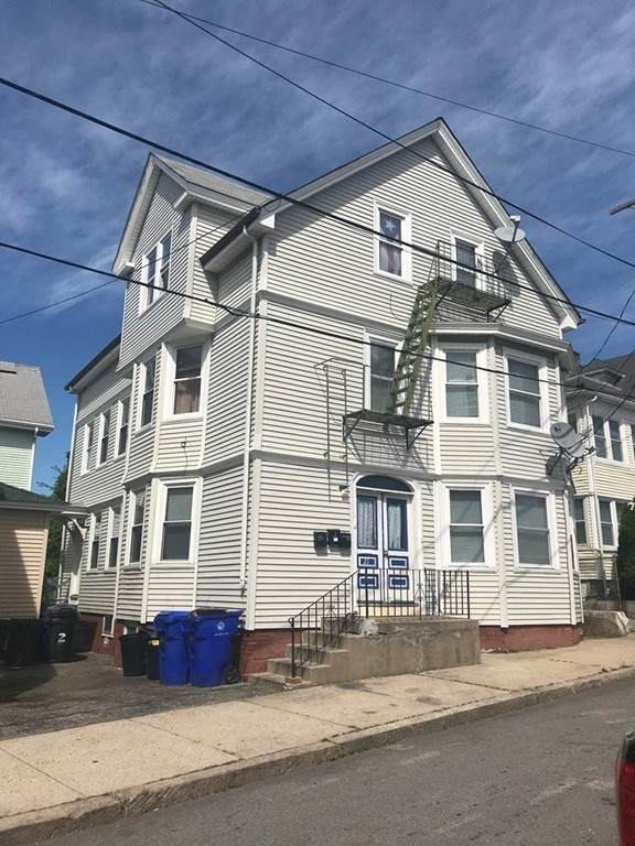19 Barney Ave, Pawtucket, RI 02860 (MLS #72789502) :: DNA Realty Group