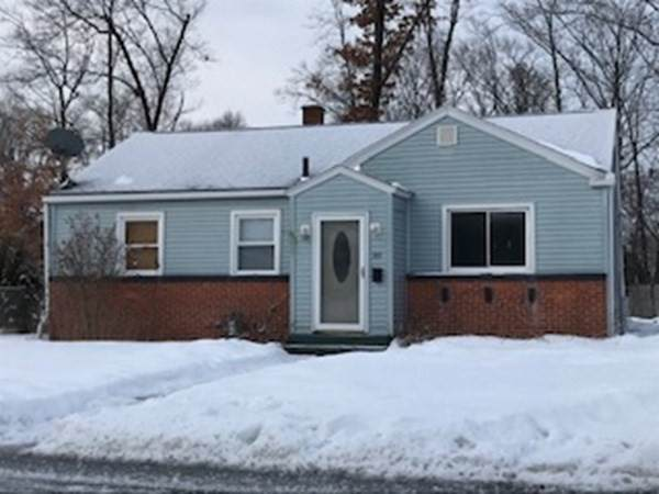 30 Dorothy Avenue, Chicopee, MA 01020 (MLS #72790693) :: Cosmopolitan Real Estate Inc.