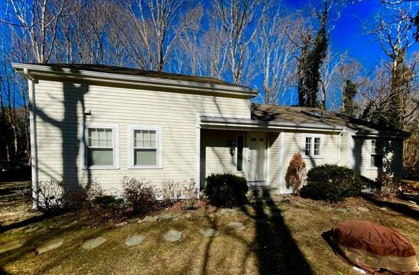20 Olofson Dr, Bourne, MA 02532 (MLS #72791668) :: Cape Cod and Islands Beach Properties