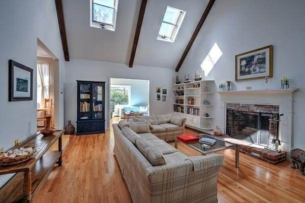 243 Huckins Neck Rd, Barnstable, MA 02632 (MLS #72791857) :: Kinlin Grover Real Estate