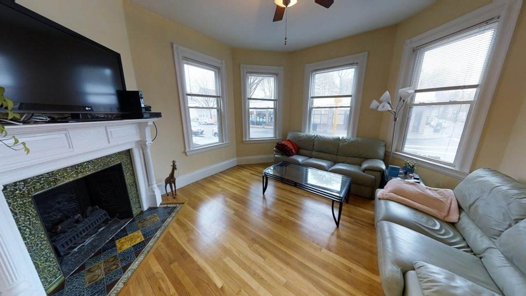 381 Highland Ave - Photo 1