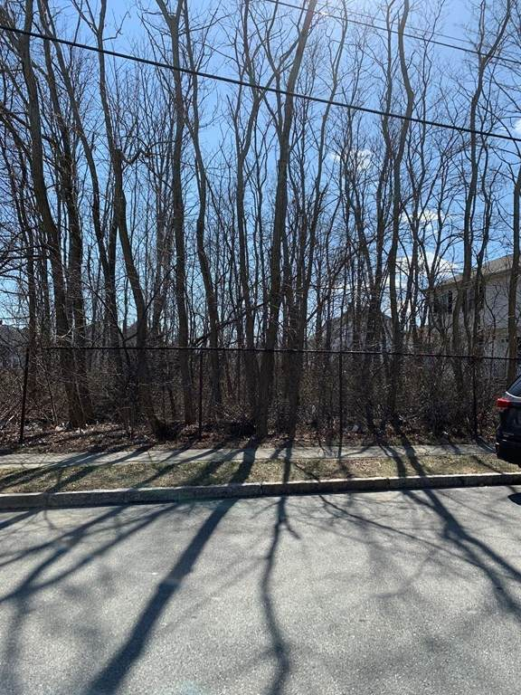 SS Bates Street, New Bedford, MA 02745 (MLS #72795419) :: Cape Cod and Islands Beach Properties