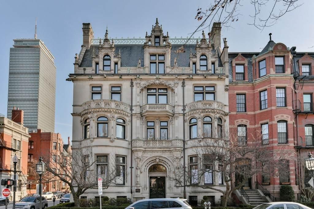 314 Commonwealth Avenue - Photo 1