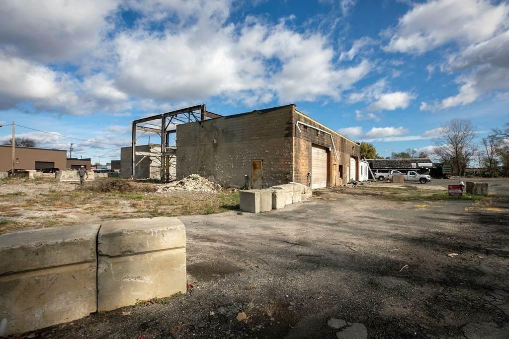 55 Circuit Ave - Photo 1