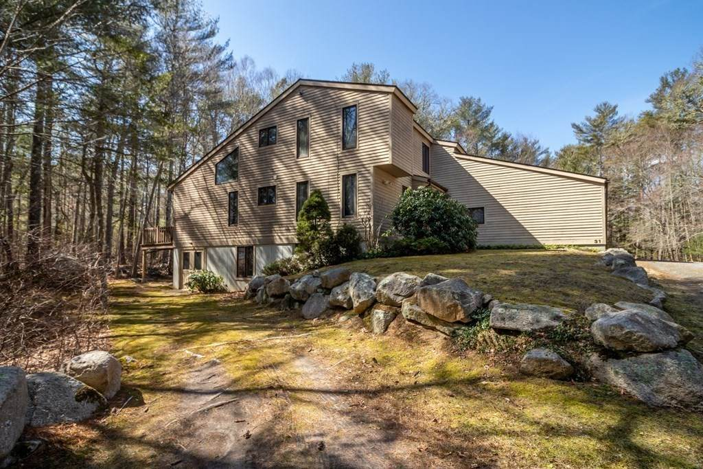 31 Holly Pond Road - Photo 1