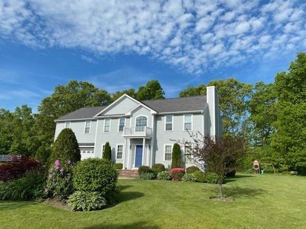 155 Tucker Ln, Dartmouth, MA 02747 (MLS #72802274) :: Westcott Properties