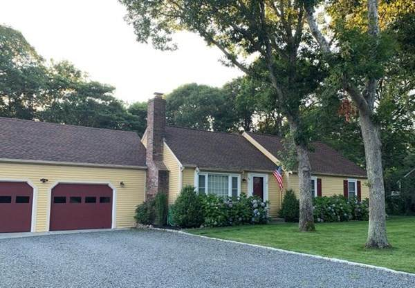 99 Wagon Ln, Barnstable, MA 02601 (MLS #72802278) :: Spectrum Real Estate Consultants