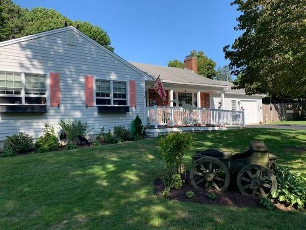 19 Hopkins Rd, Plymouth, MA 02360 (MLS #72804452) :: Welchman Real Estate Group