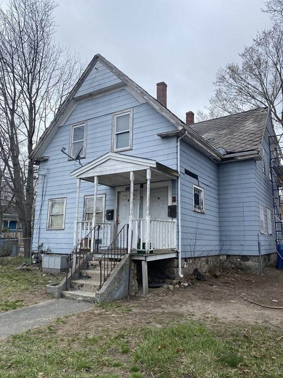 88 E Water St, Rockland, MA 02370 (MLS #72811529) :: Kinlin Grover Real Estate
