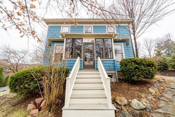 15 Minot Pl, Newton, MA 02460 (MLS #72811662) :: Team Roso-RE/MAX Vantage