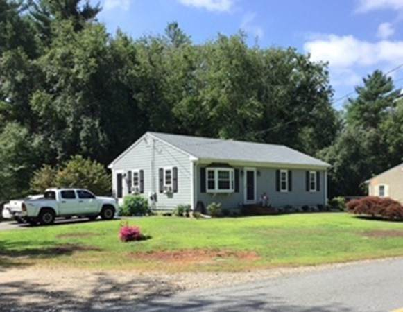 138 Hathaway Rd, Acushnet, MA 02743 (MLS #72812911) :: DNA Realty Group