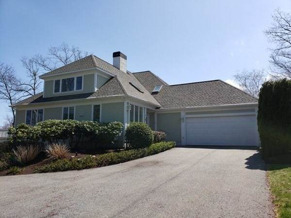 4 Court Lane, Ipswich, MA 01938 (MLS #72816747) :: Cape Cod and Islands Beach Properties