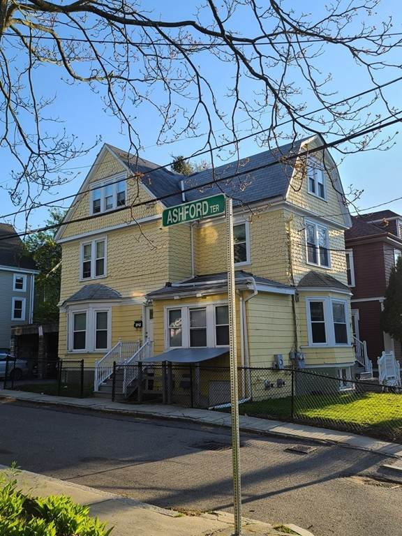 15-17 Wadsworth St, Boston, MA 02134 (MLS #72816892) :: The Seyboth Team