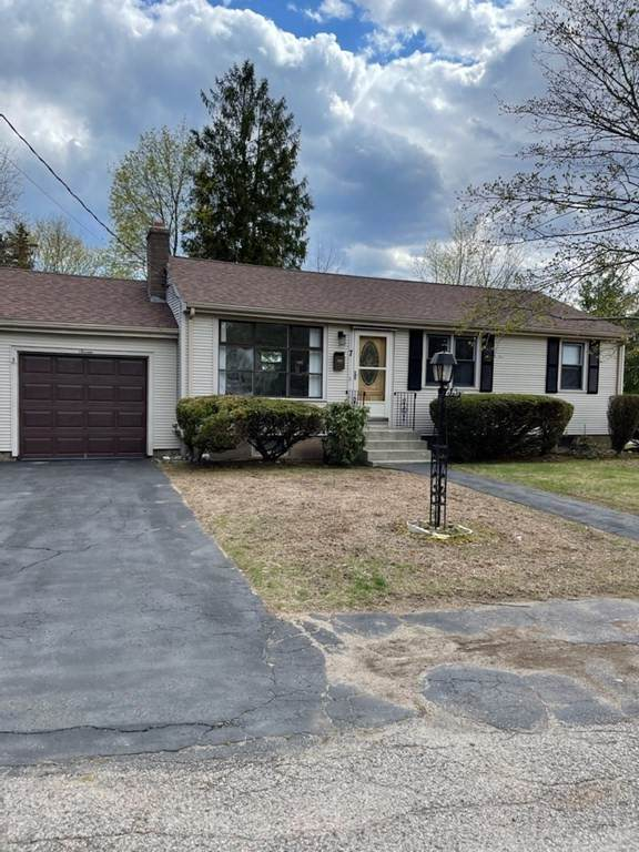 7 Woodsbury - Photo 1