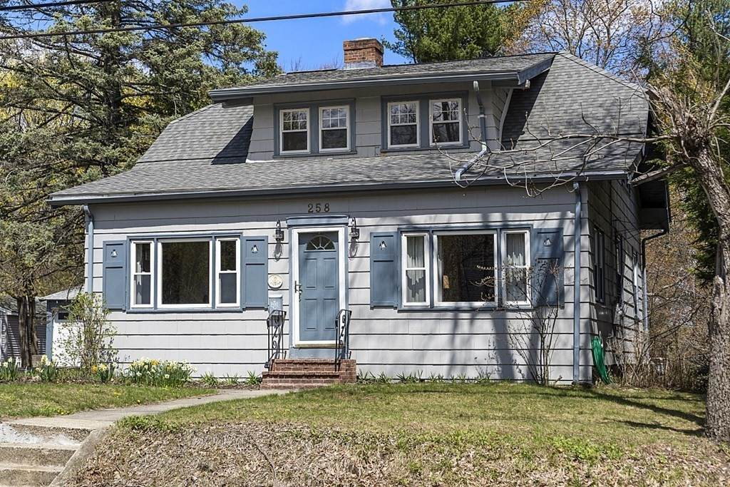 258 Woodland St - Photo 1